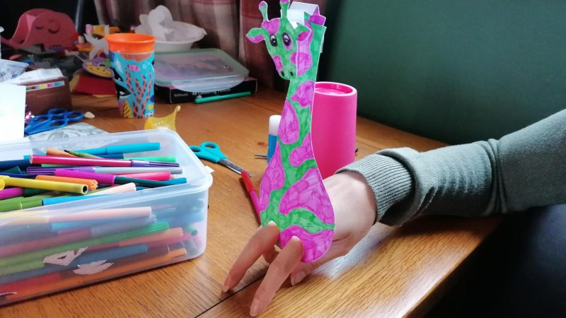 Hoglets craft - Make a dancing giraffe puppet