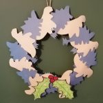 Hoglets craft - make a dinosaur Christmas wreath